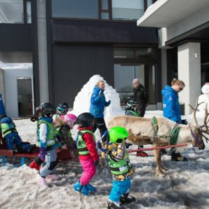 ki-niseko-reindeer-rides-19