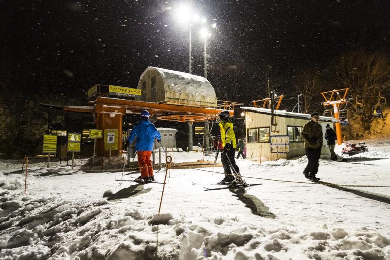 Niseko night skiing at Grand Hirafu