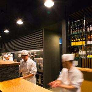 杏ダイニング オープンキッチン
