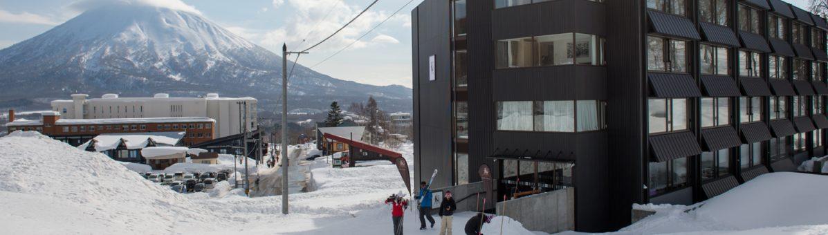 ski-in-ski-out-hero