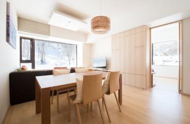 1-bedroom-deluxe-living