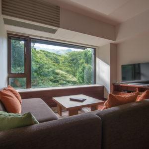1 Bedroom Resort Views Living Room Summer Low Res