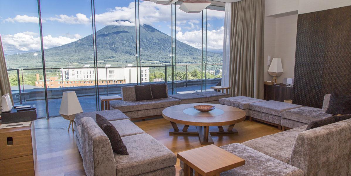 penthouse-summer-livingroom