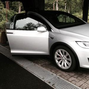 Ki Guest Tesla Car 2