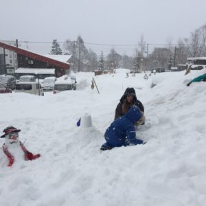 Snowman Making Workshop At Ki Niseko 2017 3