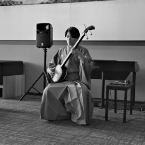 Renowned shamisen champion, NIYA, playing in the Ki Niseko lobby.