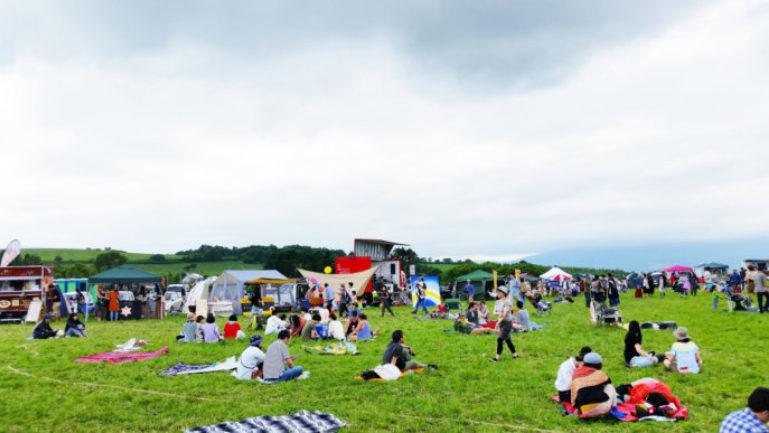 Love Toya 2016 Crowds02