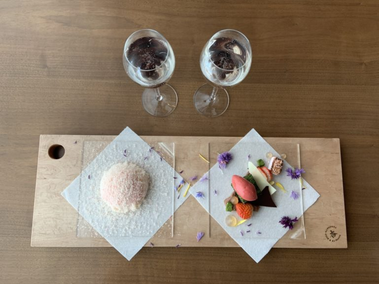 An Dining Dessert For The Art Exhibition