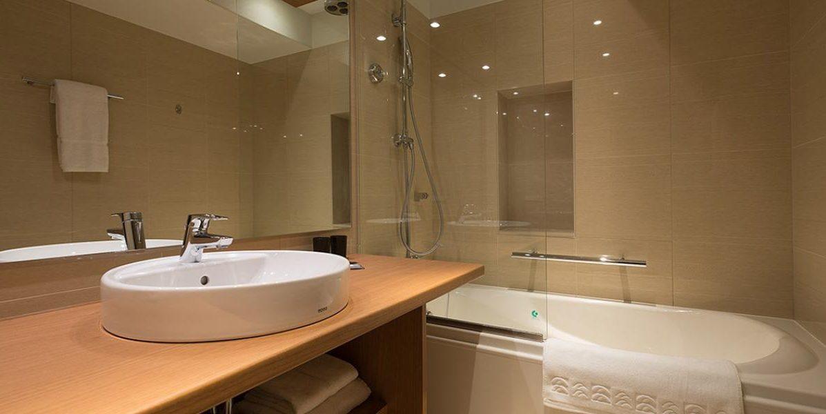 ki-niseko-hotel-rooms-1-bed-deluxe-bath