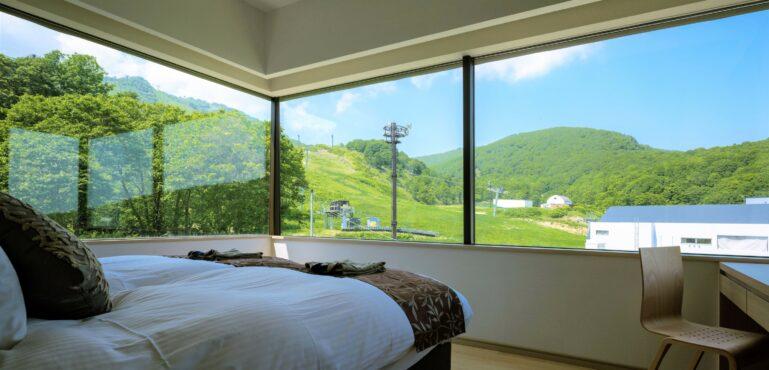 1 Bed Deluxe Resort Side Lr